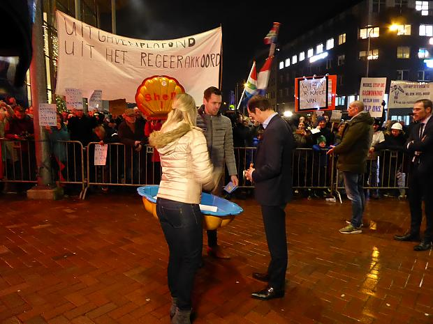 https://groningen.sp.nl/nieuws/2018/01/sp-en-rood-voeren-actie-met-groningers-tegen-gaswinning-en-geven-minister-huiswerk